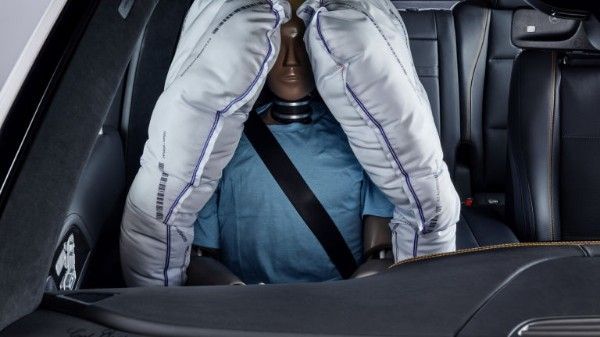 2019-Mercedes-Experimental-Safety-vehicle-front-passenger-airbags