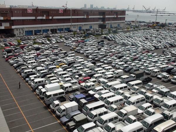 A-car-auction-sales-yard