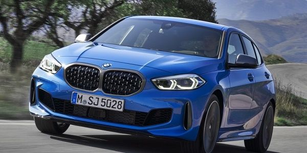 The-BMW-1-Series-On-the-road