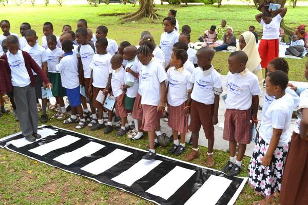 nigerian-children-traffic-club