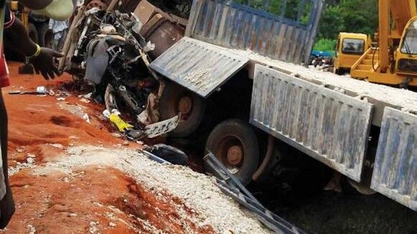plateau-road-crash