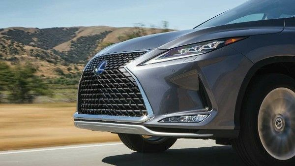 2020-Lexus-RX-SUV-grille-and-headlamp-close-view