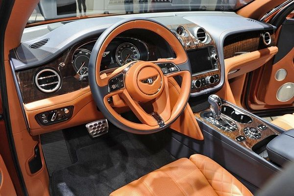 image-of-2019-bentayga-speed-interior
