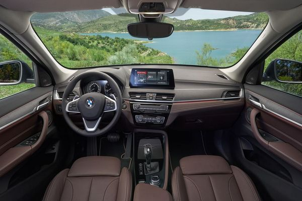 BMW-X1-facelift-cockpit
