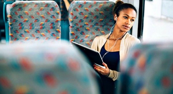 black-woman-travelling