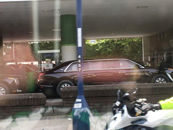 image-of-trump-cadilac-in-bp-filling-station