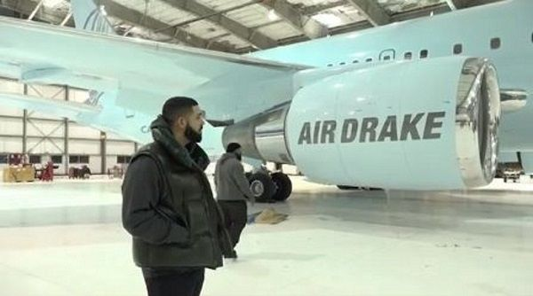 image-of-drake-customised-jet