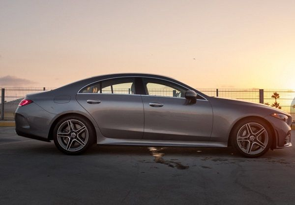 2019-Mercedes-Benz-CLS-450-four-door-coupe-side-view