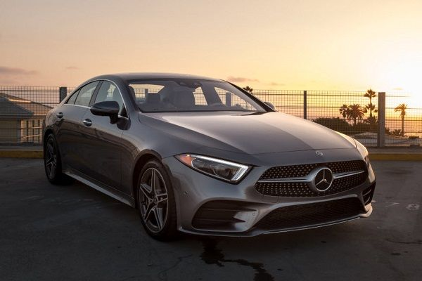 2019-Mercedes-Benz-CLS-450-four-door-coupe-01