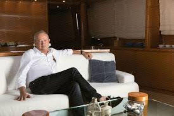 naguib-sawiris-in-his-yacht