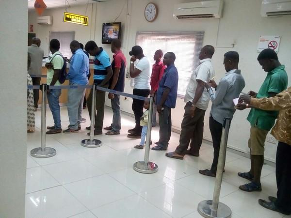 nigerian-at-the-bank