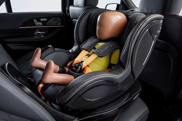 Mercedes-Benz-shows-Pre-Safe-Child-Networked-Seat