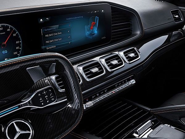 Mercedes-Benz-Pre-Safe-Child-seat-display-on-car-screen