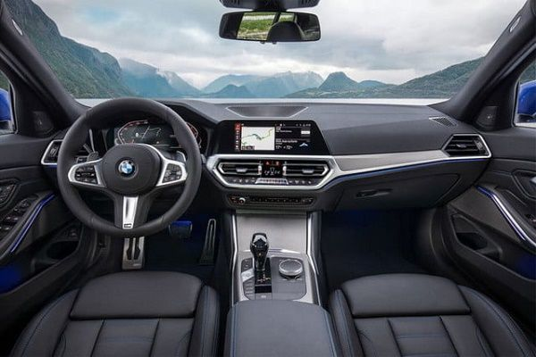 interior-of-2020-BMW-3-Series-Touring