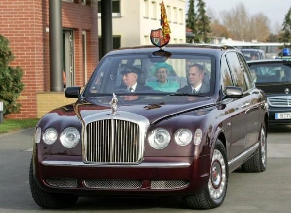 Queen-Elizabeth-II-Bentley-State-Limousine