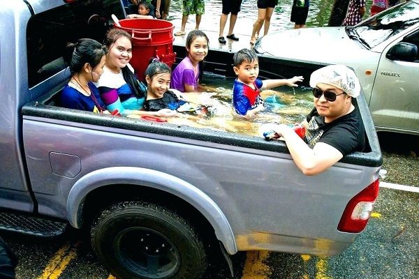 family-in-truck-bed-pool