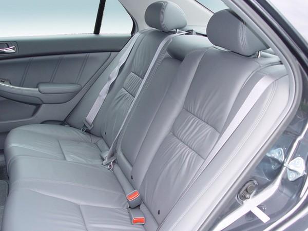 2005-honda-accord-back-seat