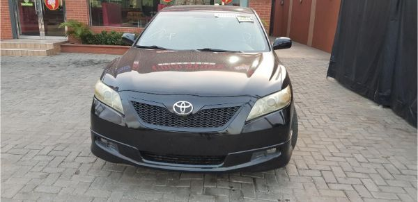 toyota-camry-2007-front