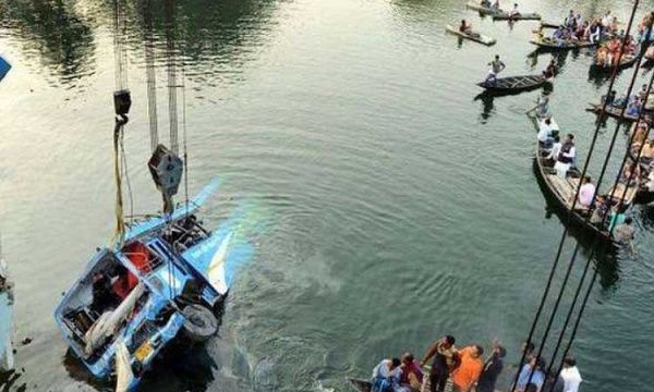 vehicle-rescued-out-from-canal