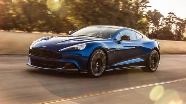 Aston-Martin-Vanquish-S-at-running