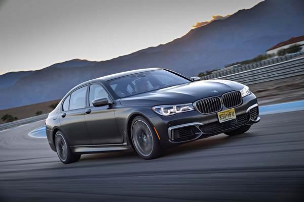 BMW-M760i-xDrive-running-on-highway