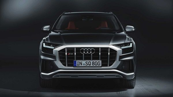 front-view-2020-Audi-SQ8