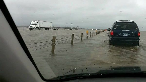 cars-on-flooded-road