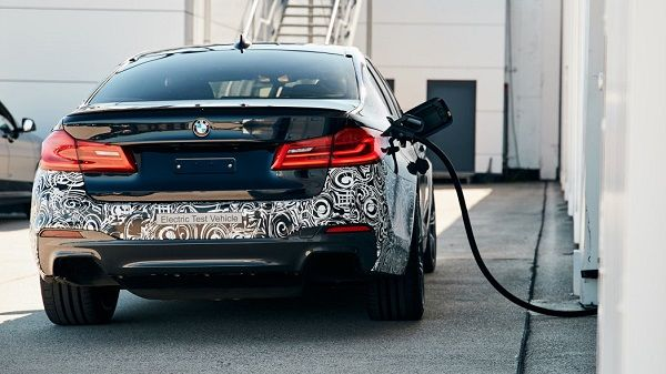 BMW-Project-BEV-charging