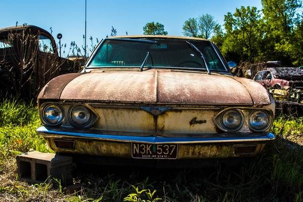a-rusted-car