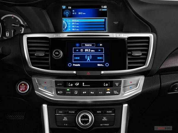 2015-Honda-accord-dashboard