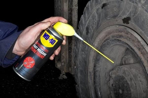 image-of-WP-40-Spray=on-a-lug-nut