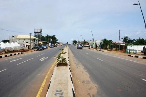 Ajah-Siemens-to-Epe-road-01