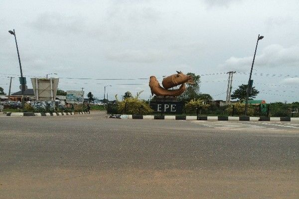 T-junction-Ajah-Siemens-to-Epe-road-02