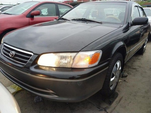 camry-envelope-2001-angular-front