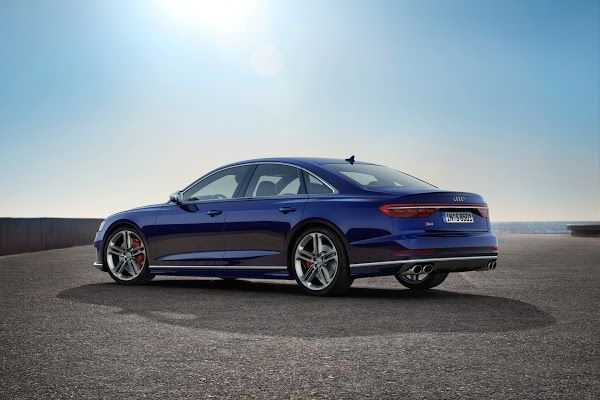 side-view-2020-Audi-S8