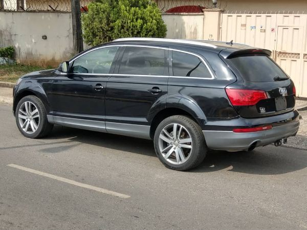audi-q7-for-rent-at-dream-africa-motors