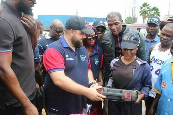 Ganiyu-omolabake- receiving-toolbox-gift-from-BMW-club-Nigeria