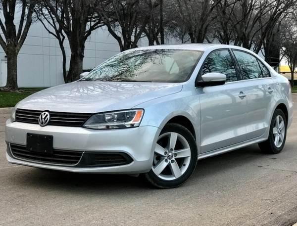 angular-front-of-a-Volkswagen-Jetta