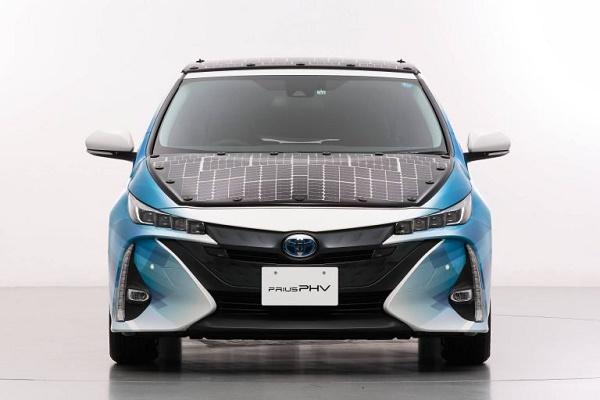 Toyota-Prius-demo-car