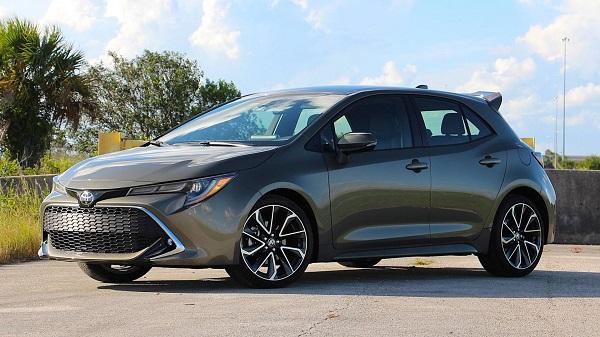 2019-Toyota-Corolla-XSE-Hatchback