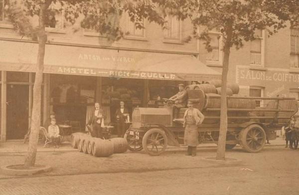 amstel-car-transporting-beer