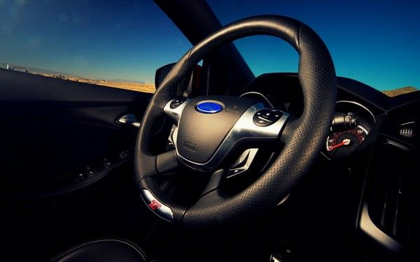 car-steering-wheel