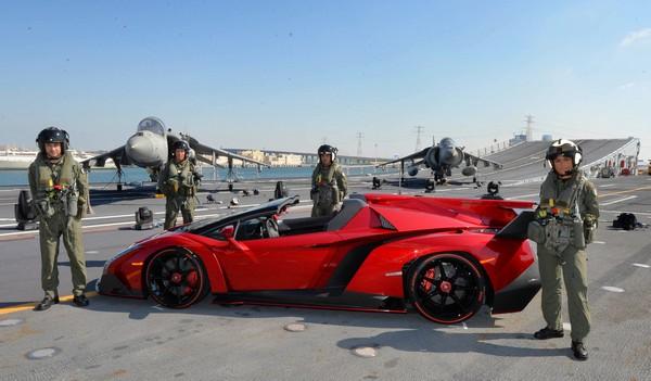 lamborghiniveneno-roadster-red