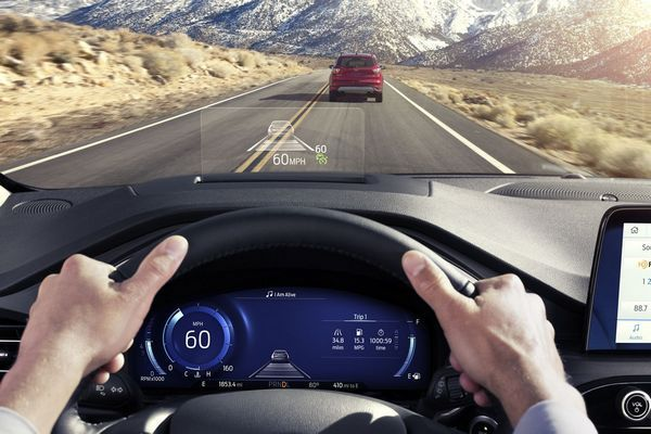 2020-Ford-Escape-Head-up-display