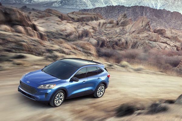 2020-Ford-Escape-Titanium-Trim