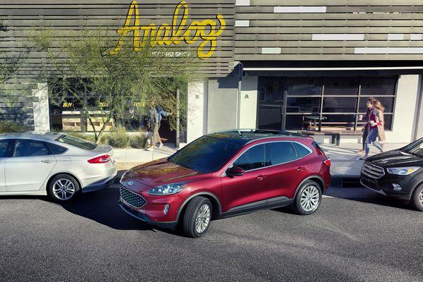 2020-Ford-Escape-parking