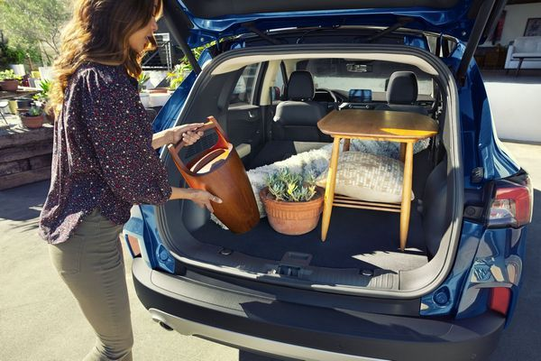 2020-Ford-Escape-trunk-view