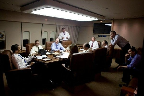 Barrack-Obama-in-a-meeting-inside-Air-Force-One-conference-room