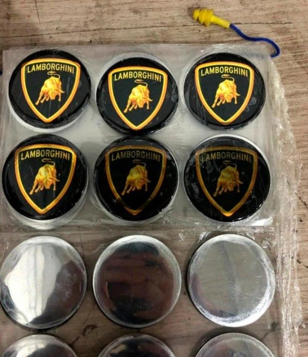 Fake-Lamborghini-badges