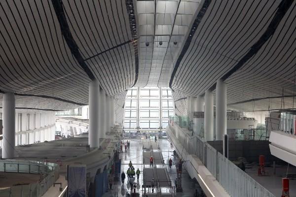 An-Interior-View-of-Beijing-Daxing-International-Airport-terminal-02